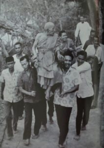 Luang Por Daeng Being Carried