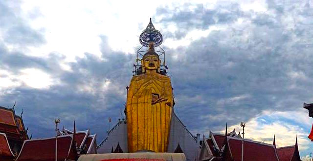 Statue of Luang Por Dto of Wat Intra Wiharn Bang Khun Prohm