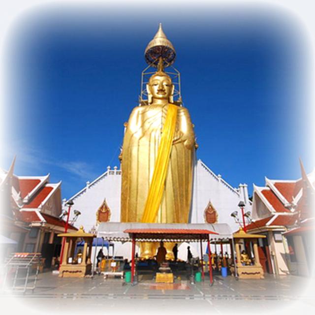 Luang Por Dto statue Wat Bang Khun Prohm