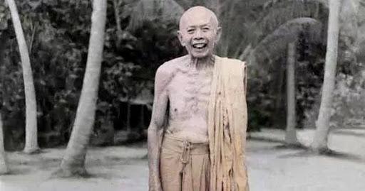 Luang Pu Tim Issarigo of Wat Laharn Rai